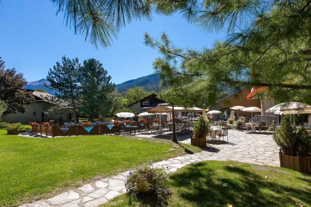 Terrasse hotel Hautes Alpes